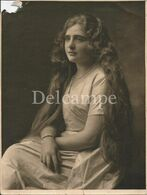 Pretty GIRL With Long Hair In Profile - BIG Photo 21x16cm 1940' - Anonymous Persons