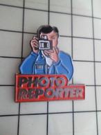 SP17 Pins Pin's / Rare & Belle Qualité THEME PHOTOGRAPHIE / MAGAZINE PHOTO REPORTER - Fotografia