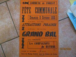 FOREST 9 OCTOBRE 1966 FÊTE COMMUNALE GRAND BAL AVEC L'ORCHESTRE LES COMPAGNONS DU RYTHME ATTRACTIONS FORAINES 60cm/40cm - Plakate