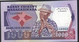 MADAGASCAR P68a 1000 FRANCS = 200 ARIARY 1983 # A/6 FIRST SIGNATURE   UNC. - Madagascar