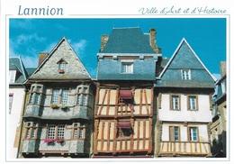 22 LANNION - VILLE D'ART ET D'HISTOIRE - VIEILLES MAISONS DE LA PLACE DU CENTRE - CPM - VIERGE - - Lannion