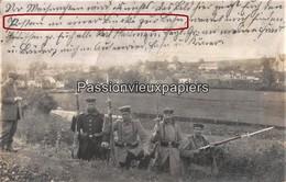 CARTE PHOTO ALLEMANDE BARANZY (Musson) 1914 SOLDATS ALLEMANDS Gardant Le PONT De La VOIE FERREE ? SCHUMACHER BAD MONDORF - Musson