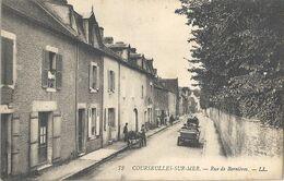 CPA Courseulles Rue De Bernières - Courseulles-sur-Mer