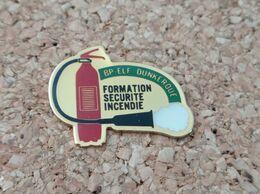PINS SAPEURS POMPIERS FORMATION SECURITE INCENDIE BP ELF DUNKERQUE (59) - Pompieri