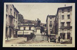 CPA - LE VIGAN (30) - Place Et Statue Du Chevalier D'Assas (par Gatteau En 1760) - Le Vigan