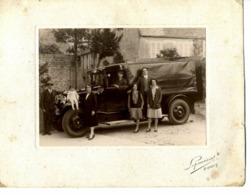 14  BAYEUX  Rare Photo 15.5 X 11 (23 X 18 Avec L'encadré)  G. RIBIS  Rue Saint-Patrice  Plan Superbe Avec Véhicule - Bayeux