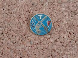 PINS CLUB DE TIR FRANCAIS CTF - Pin's & Anstecknadeln