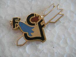 Pin's - COQ - Sport TIR à L'ARC Fédération Sportive Et Culturelle De France FSCF Section Tir-à-l'arc - Tiro Con L'Arco