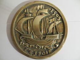 Presse Papier En Bronze Avec Galion Nommé L'Espoir - Bronces