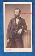 Photo Ancienne CDV Vers 1865 - PARIS - Beau Portrait Homme Parisien à Identifier - Politique ? Photographe Pierre Petit - Fotos