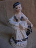 "Vintage - Statuette ""Marquise"" Made In Korea - Personen"
