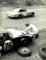 BRANDS BCAC 500 1967 KERRY BURNAND ELAN JACKSON CRABTREE PASSING 21*16CM MOTOR RACING RACE Car Course D'automobiles - Cars