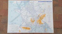 GRANDE CARTE AERONAUTIQUE MOYENS RADIO D'ATTERRISSAGE ET ROUTES ESPACE INTERIEUR 57 X 75 CM DE 1985 - Other