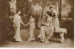 L60E129 -  Jeune Femme Musicienne  Avec Une Lyre Et Trois Fillettes Esquissant Un Pas De Danse - Dix N°1345/4 - Women