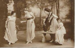 L60E131 -  Jeune Femme Musicienne  Avec Une Lyre Et Trois Fillettes Esquissant Un Pas De Danse - Dix N°1345/5 - Women
