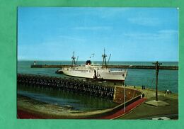 "76 Seine Maritime Dieppe Bateaux Boats Cargo Merchant Ship Bananier Banana "" Fort Fleur D' Epee "" - Koopvaardij"