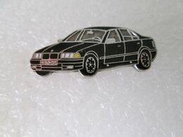PIN'S   BMW  E 36   Email Grand Feu  Noir - BMW