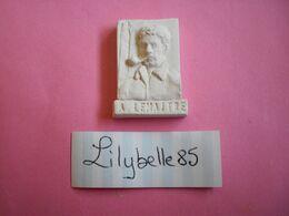 Feve Artisanale - ESSAI / PROTO - PORTRAIT A. LEMAITRE - MOULIN A HUILE - MH ( Feves Figurine Miniature ) - Characters