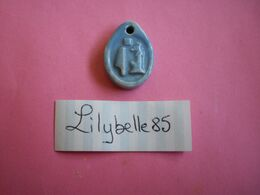Feve Artisanale - PENDENTIF - EGYPTE - MOULIN A HUILE - MH 2006 ( Feves Figurine Miniature ) - History