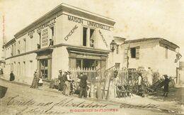 14479   17   ST.GEORGES-de-DIDONNE. - MAISON UNIVERSELLE. (Epicerie). Disparue   ?? Circulée En 1903 - Saint-Georges-de-Didonne