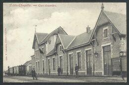 +++ CPA - PETITE - CHAPELLE - Couvin - Gare Douanière - Train  // - Couvin