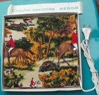 CHAUFFE ASSIETTES SEDOR - Vintage - Jamais Utilisé - Motif Tissu : Chasse à Courre - Other Collections