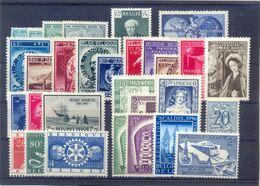 Een Lot Postgaaf ** Prachtig MNH 62 Côte - Verzamelingen