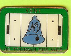 Pin's Hockey 4e Tournoi Pee Wee 1991 Patinoire Cloche - 5C13 - Sport Invernali
