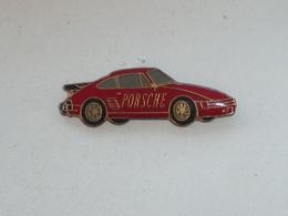 Pin's VOITURE PORSCHE 911 - Porsche