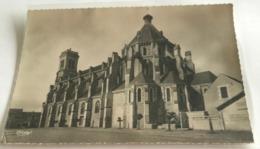 85  Aizenay Eglise Affichage Defense De Stationner Et D Afficher - Aizenay