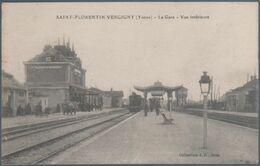 Saint Florentin Vergigny , Train En Gare , Vue Intérieure , Animée - Saint Florentin