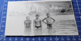 B&W Photo Portrait Girl Boy Garcon Swim Summer 27d20 - Anonymous Persons