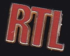 66766- Pin's.RTL, Sigle De Radio Télé Luxembourg, Est Une Station De Radio.signé Decat Paris. - Mass Media