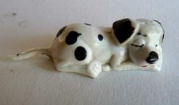 101 DALMATIEN - Figurine JIM - QUI DORT Collier Rouge (2) - WALT DISNEY - Disney