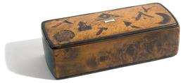 BOITE MACONNIQUE Du XIX ème Siècle (13 X 5,5 Cm + Hauteur 3,7 Cm) En Loupe De Noyer - Boites A Timbres
