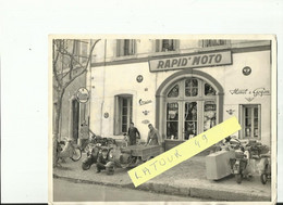 NARBONNE  Magasin  Rapid Moto Vespa Mobilette Monet Et Goyon ..archive Narbonne Moto Club 1946  1950  .photo 18  X 24 CM - Motorfietsen