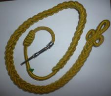 FOURRAGERE Simple Médaille Militaire - Verte Et Jaune , Ferret Argenté - Autres