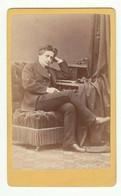 CDV Photo Foto Um 1875/80 - Adalbert Uetz, Carlsruhe - Feiner Junger Mann In Denkerpose - Old (before 1900)