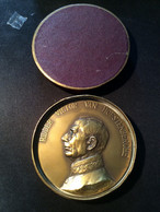 Médaille De Brugge Ex Bourgmestre,Ridder Victor Van Hoestenberche. - Belgio