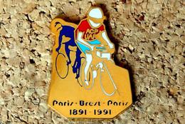 Pin's CYCLISME VELO - Paris Brest Paris - 100° Anniversaire - émaillé à Froid Doré - Fabricant Inconnu - Ciclismo