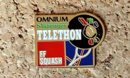 Pin's SQUASH - FFS Fédération Française De Squash Omnium Slazenger TELETHON - Peint Cloisonné - Fabricant Inconnu - Pin's & Anstecknadeln