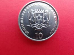 Somalie  10 Scellini 2000 Fao  Km 46 - Somalia