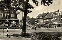 Nederland, SITTARD, Kruispunt, Bus, Auto, Politie, Wegwijzer (1965) Ansichtkaart - Sittard