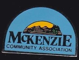 66813- Pin's.L'Association McKenzie.kinésithérapeutes . Médecins - Geneeskunde