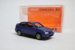 Herpa - SEAT CORDOBA SX Bleu Métallisé Neuf HO 1/87 - Baanvoertuigen
