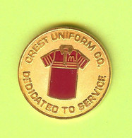 Pin's Mac Do McDonald's Crest Uniform Dedicated To Service - 7C15 - McDonald's