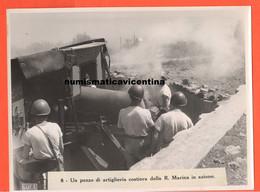Cannoni Artiglieria Da Costa Foto Luce Anni '40 Cannon Regia Marina Sud Italia Elmetti M33 - Guerre, Militaire