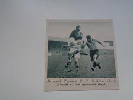 """Origineel Knipsel ( 7021 ) Uit Tijdschrift """"  De Stad """" 1936 : Voetbal  Football   Turnhout  - F. C. Mechelen - Non Classés"""