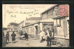 CPA Les-Sables-d'Olonne, La Poissonnerie, Et Dans Le Lointain, La Poste - Sables D'Olonne