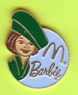 Pin's Mac Do McDonald's Barbie Hotesse De L'Air Costume Vert  - 8C14 - McDonald's